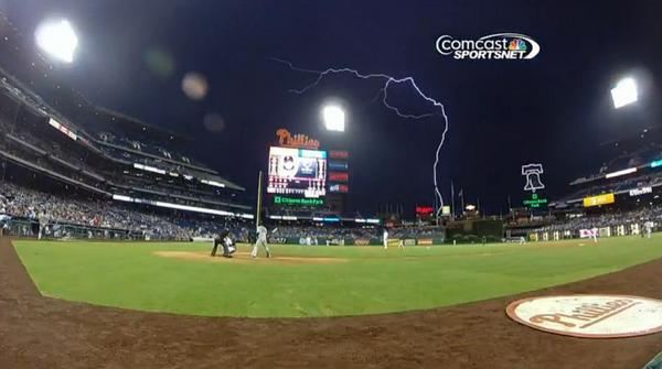 Giants-2014-07-23-vs Phillies-Lightning