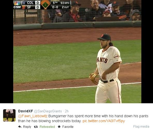 Giants-Bumgarner-Snotrocket-2014-08-26-Hand In Pants-Tweet