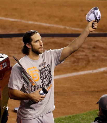 Giants-2014-World Series-Celebration-Bumgarner-MVP Trophy-2