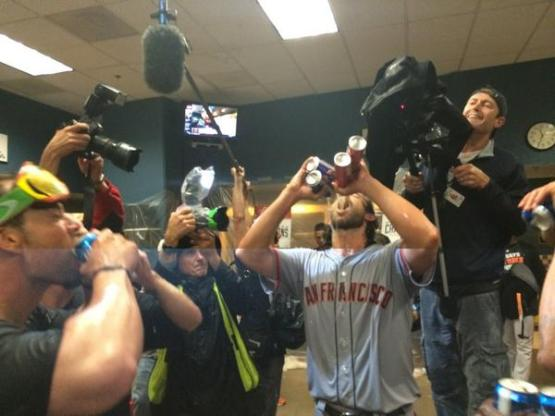 Giants-Bumgarner-Wild Card-Celebration-2014-10-01-Four Beers