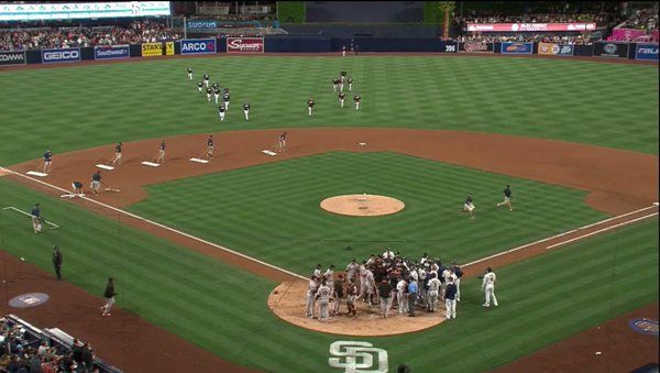 Giants-2016-05-17-vs Padres-Fight
