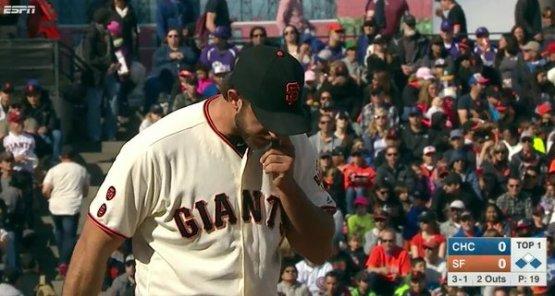 Giants-Bumgarner-Snotrocket-2016-05-22-Double-Right