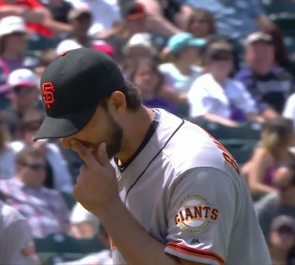 Giants-Bumgarner-Snotrocket-2016-05-28-Double-Right