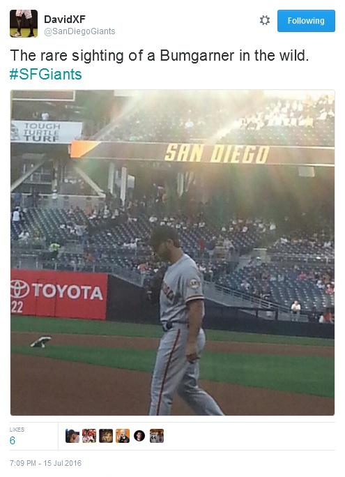 Giants-Bumgarner-Snotrocket-2016-07-15-Tweet-SanDiegoGiants-In The Wild