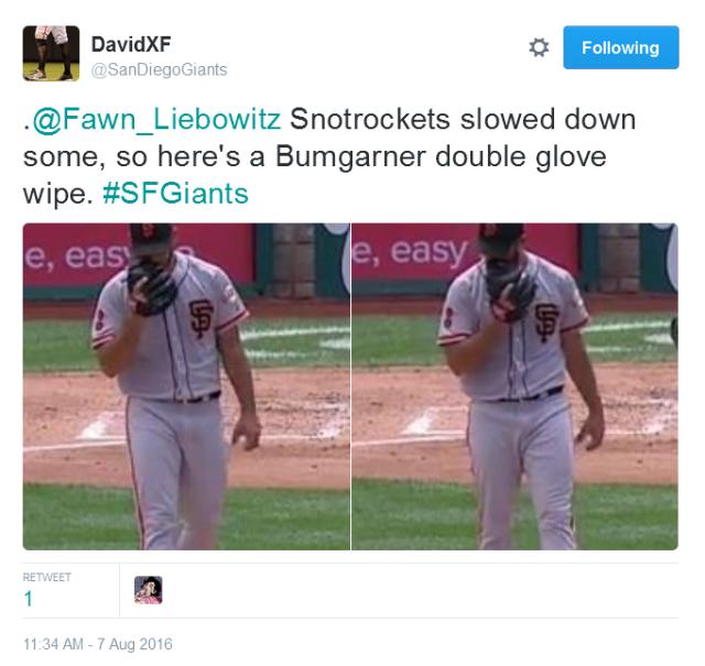Giants-Bumgarner-Snotrocket-2016-08-07-Tweet-SDG-Double Glove Wipe