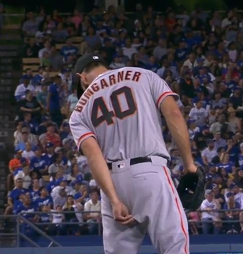 Giants-Bumgarner-Snotrocket-2016-08-23-Wedgie Pick
