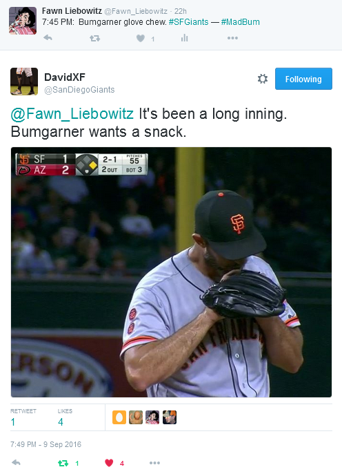 giants-bumgarner-snotrocket-2016-09-09-glove-chew-tweet